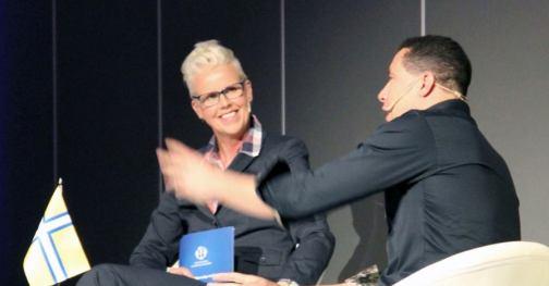 Anna-Karinn Öjerskog - Knö dig in och leverera